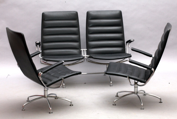 Sitzgruppe mit 2 Armsesseln